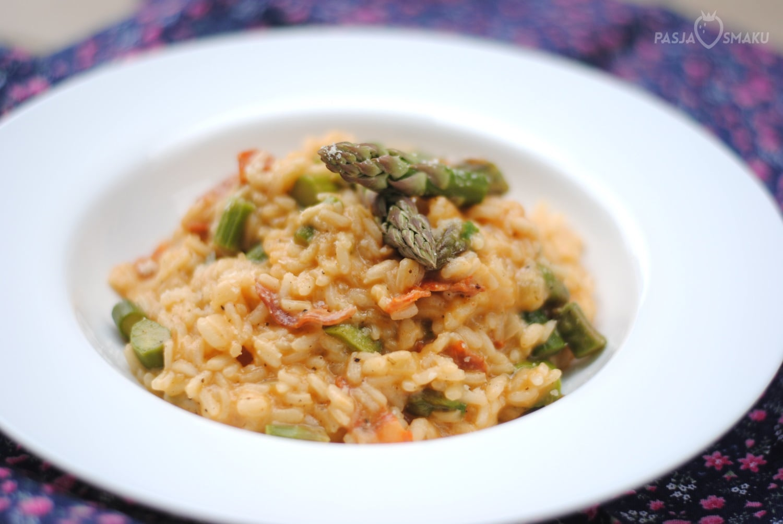risotto ze szparagami i chorizo