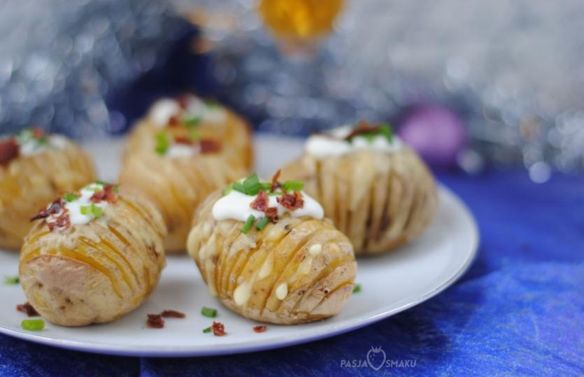 Ziemniaki Hasselback z serem i boczkiem