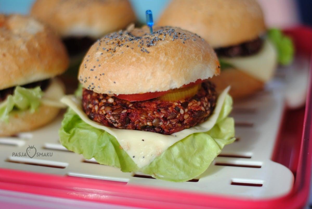 Mini burgery buraczano-jaglane
