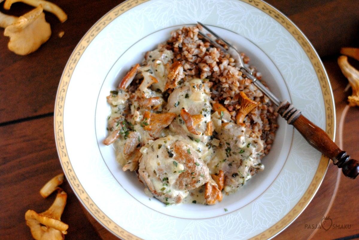 Polędwiczki wieprzowe z sosem kurkowym