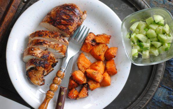 Pieczona pierś kurczaka w sosie balsamicznym z batatami