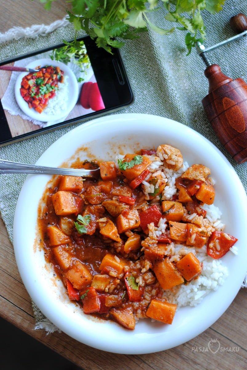 Curry z batatami i kurczakiem