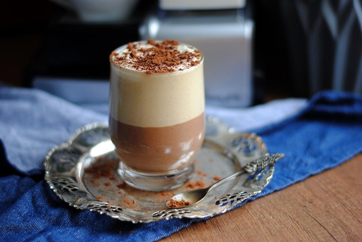 Warstwowy deser kawowy