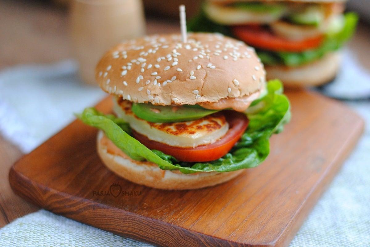 burgery z halloumi i awokado