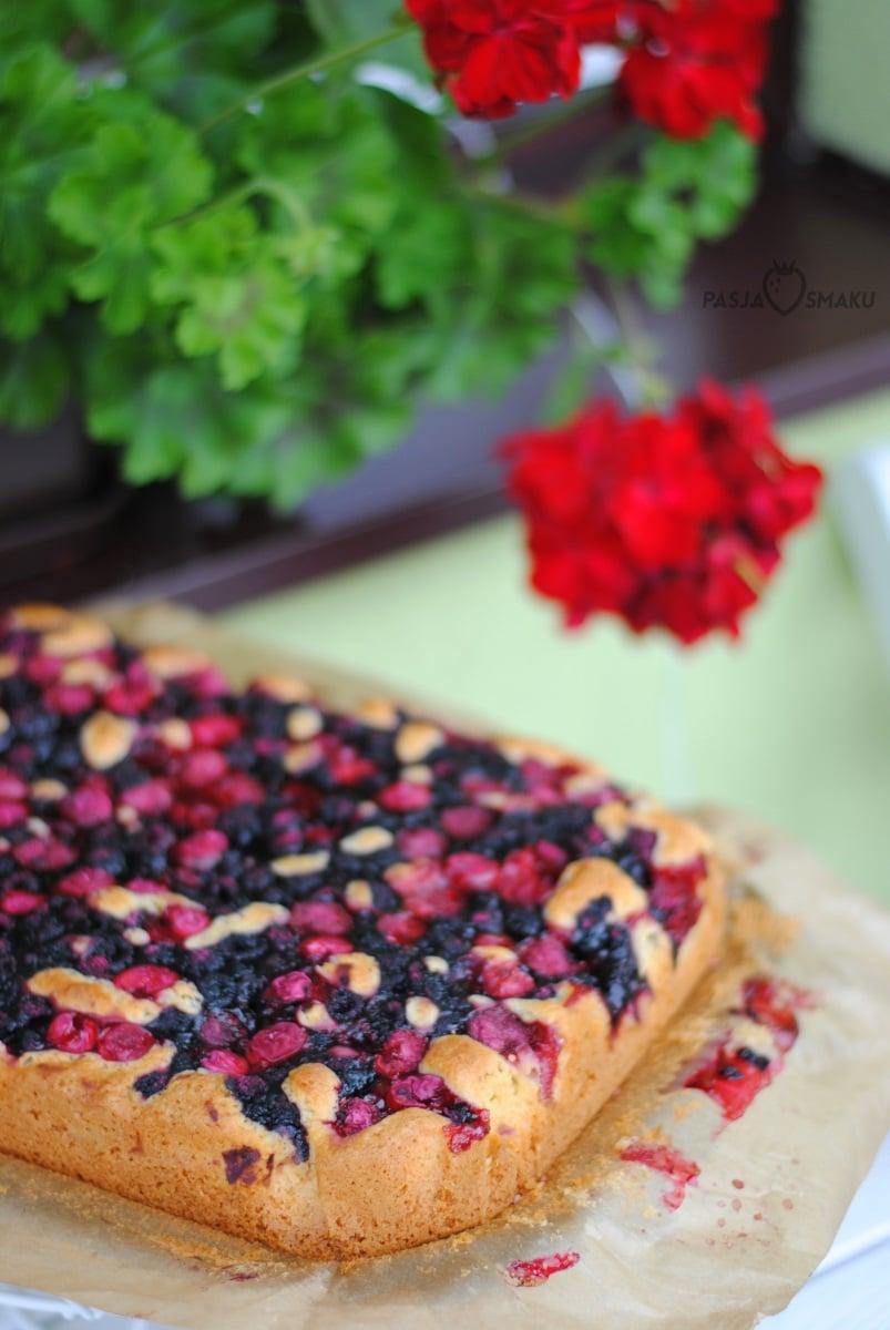 Szybkie ciasto z letnimi owocami