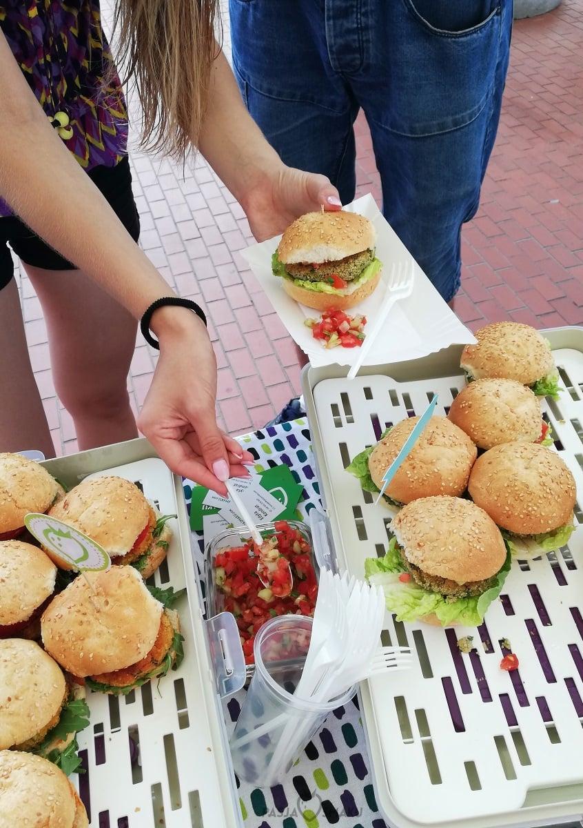 burgery z bobu i kaszy jaglanej
